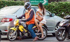 Die Kunst auf einem Motorrad zu sitzen