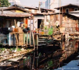 Hütten im Khlong Toey Slum