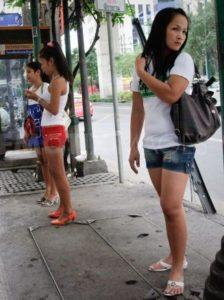 Straßenmädchen in der Sukhumvit