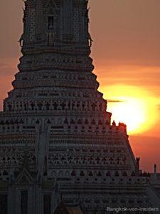 Wat Arun von der Amorosa Bar