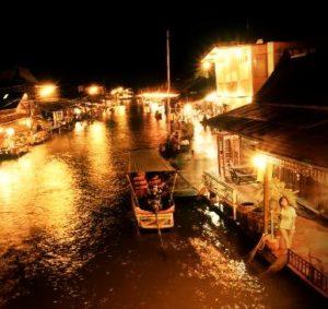 Schwimmender Markt Ampawa